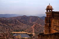 Corner tower of Jaigarh Fort with the Great Wall of Jaipur in the background.