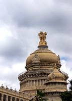 Ashoka Chakra statue on top of central dome.
